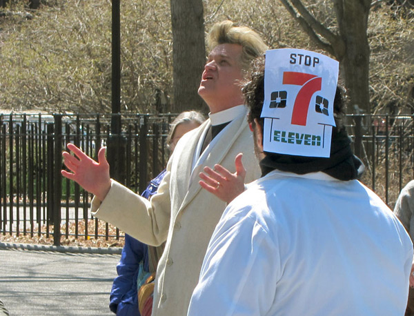 Reverend Billy - No 7-Eleven